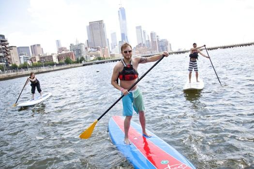 130802_paddle_boarding_361_38192355-525x350