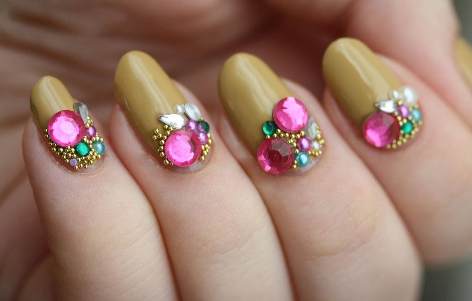Nail Art Ideas » Nail Art Gems Designs - Pictures of Nail Art Design ...